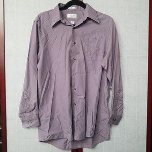 VanHeusen Purple dress shirt.Size M, 15 1/2, 32/33
